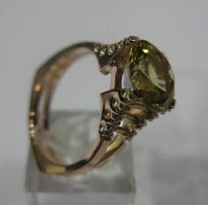 Žiedas Nr.10 (iš geltono aukso, su ametistu ir briliantais)