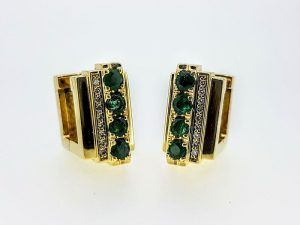 Auskarai Nr.105 (iš aukso, puošti smaragdais ir briliantais)