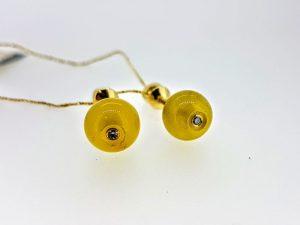 Auskarai Nr.106 (iš aukso, su baltuoju gintaru ir briliantu)