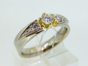 Žiedas Nr.107 (iš balto, arba kitos spalvos aukso, su briliantais)