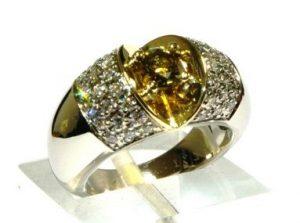 Žiedas Nr.109 (iš geltono aukso,puoštas topazu ir briliantais)