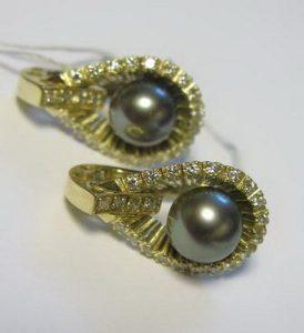Auskarai Nr.10 (iš geltono, raudono arba balto aukso, su perlais ir briliantais)
