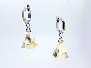 Auskarai Nr.115 (su piramidės formos citrinu, iš aukso)