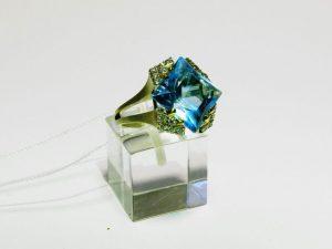Žiedas Nr.116 (su žydruoju topazu ir briliantais, iš geltono aukso)