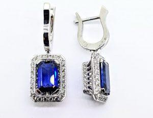 Auskarai Nr.119 (su mėlynuoju safyru ir briliantais, iš aukso)