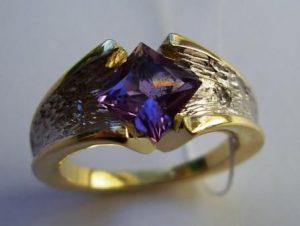 Žiedas Nr.12 (iš geltono ir balto aukso, su ametistu)