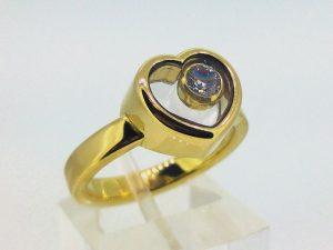 Žiedas Nr.125 (iš aukso, su po stiklu uždarytu briliantu)