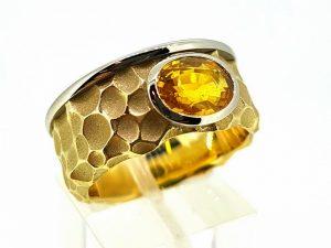 Žiedas Nr.154 (su geltonuoju safyru, iš aukso)