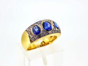 Žiedas Nr. 171 (iš aukso, puoštas safyrais ir briliantais)