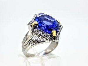Žiedas Nr.194 (su tanzanitu ir briliantais, iš aukso)