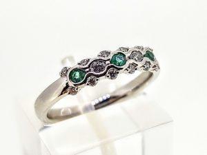Žiedas Nr.198 (su smaragdais ir briliantais, iš aukso)