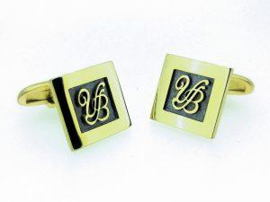 Sąsagos iš geltono arba kitos spalvos aukso, su monogramomis
