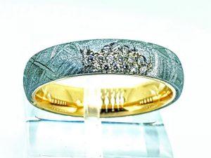 Žiedas Nr.204 (iš meteorito ir aukso, su briliantais)