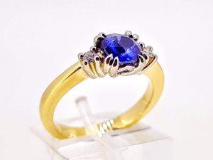 Žiedas Nr.206 (iš aukso, puoštas safyru ir briliantais)