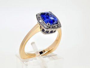 Žiedas Nr. 209 (su mėlynuoju safyru ir briliantais, iš aukso)