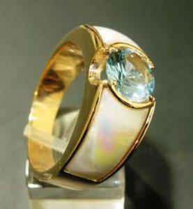 Žiedas Nr.21 (iš geltono, raudono arba balto aukso, su akvamarinu)