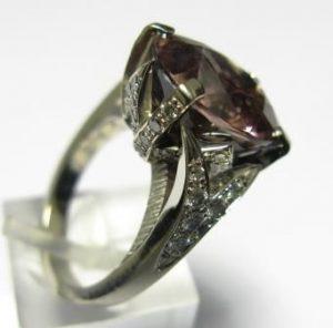 Žiedas Nr.21 (iš platinos arba balto aukso, su turmalinu ir briliantais)