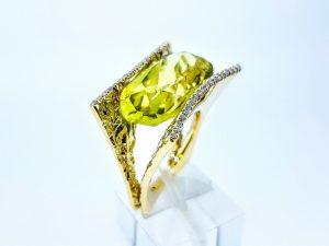 Žiedas Nr.210 (puoštas citrinu ir briliantais, iš aukso)