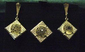 Komplektas Nr.24 (iš geltono aukso, su kalnų krištolu ir briliantais)
