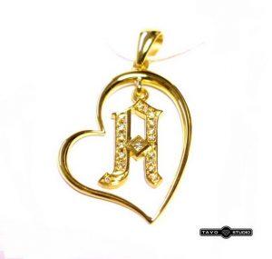 Pakabukas Nr.37 (širdelės formos, iš aukso, su deimantais inkrustuota raide)