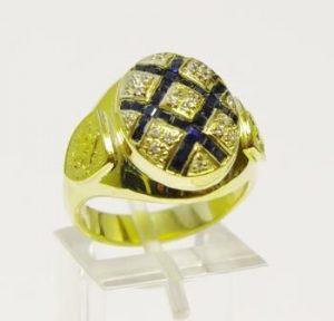 Žiedas Nr.38 (iš geltono aukso,puoštas safyrais ir briliantais)