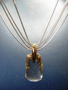 Kolje Nr.4 (iš balto ir geltono aukso, su dūminiu kvarcu)