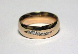 Žiedas Nr.40 (iš raudono, geltono arba balto aukso, su briliantais)