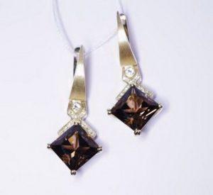Auskarai Nr.42 (su rudais deimantais ir briliantais, iš balto aukso)