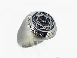 Žiedas Nr.47 (iš platinos arba aukso, puoštas brangakmeniais)