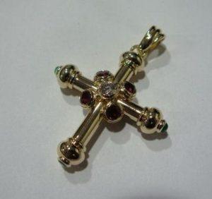 Pakabukas Nr.4 (kryželis,iš geltono, raudono arba balto aukso, su briliantu)