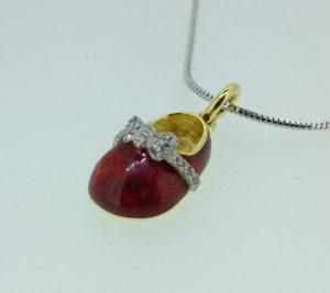 Pakabukas Nr.51 (batukas iš geltono, raudono arba balto aukso, su emale ir briliantais)