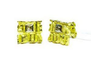 Auskarai Nr.54 (iš geltono aukso, su briliantais balto aukso apvade)