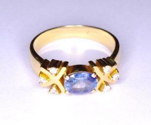Žiedas Nr.55 (iš geltono aukso, su žydruoju topazu ir briliantais)