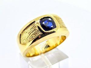 Vyriškas žiedas Nr.58 (su mėlynuoju safyru, iš aukso)