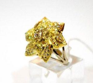 Žiedas Nr.59 (iš geltono ir balto aukso, su briliantais)
