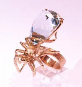 Žiedas Nr.60 (iš geltono aukso, su voru, puoštas akvamarinu)
