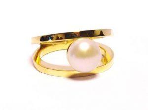 Žiedas Nr.70 (su perlu, iš geltono, balto arba raudono aukso)