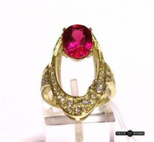 Žiedas Nr.77 (iš geltono, raudono arba balto aukso, su rubinu ir briliantais)