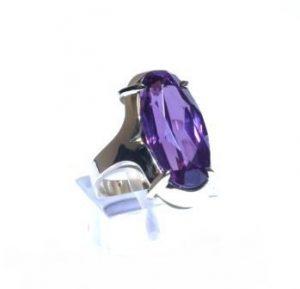 Žiedas Nr.78 (iš platinos arba balto aukso, su aleksandritu)