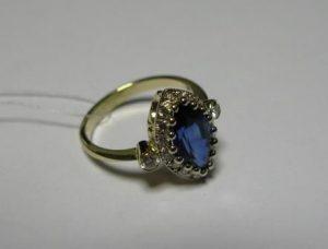 Žiedas Nr.8 (iš geltono aukso, su safyru ir briliantais)
