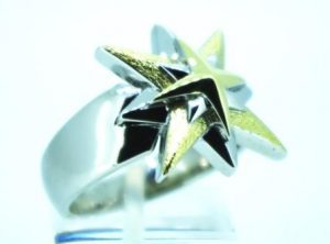 Žiedas Nr.90 (modernus, iš platinos, su geltono aukso puošyba)