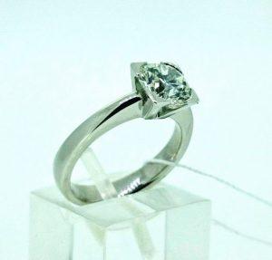 Žiedas Nr.96 (iš balto,geltono arba raudono aukso, su briliantu)