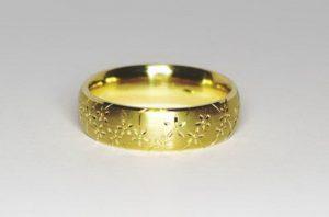 Vestuviniai žiedai Nr.100 (klasikiniai, rankomis išraižomu piešiniu)