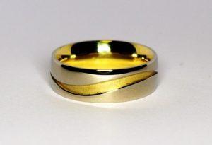 Vestuviniai žiedai Nr.103 (platūs, iš geltono ir balto aukso)