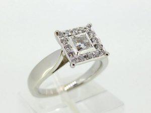 Sužadėtuvių žiedas Nr.107 (iš platinos arba aukso, su briliantais)