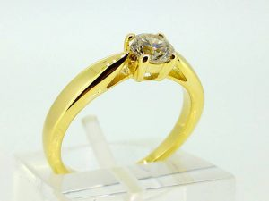 Sužadėtuvių žiedas Nr.109 (iš geltono, balto arba raudono aukso, su briliantu)