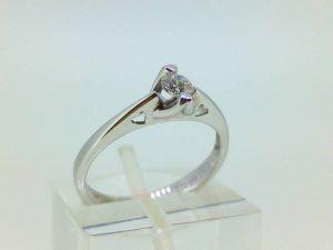 Sužadėtuvių žiedas Nr.112 (iš balto, arba kitos spalvos aukso, su briliantu)