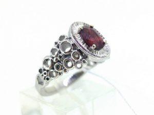 Sužadėtuvių žiedas Nr.123 (su rubinu, iš balto arba kitos spalvos aukso)