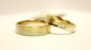 Vestuviniai žiedai Nr.127 (iš dviejų spalvų aukso, mot.-su briliantais)
