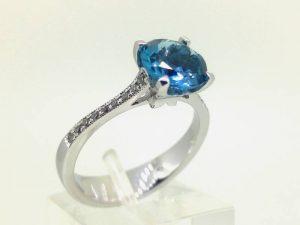 Sužadėtuvių žiedas Nr.128 (iš platinos arba aukso, puoštas topazu ir briliantais)